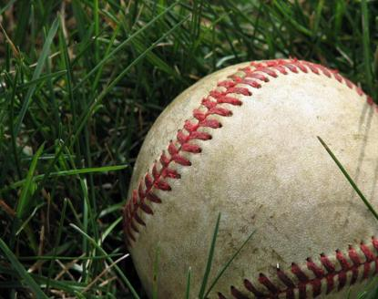baseball_in_the_grass-760x6011